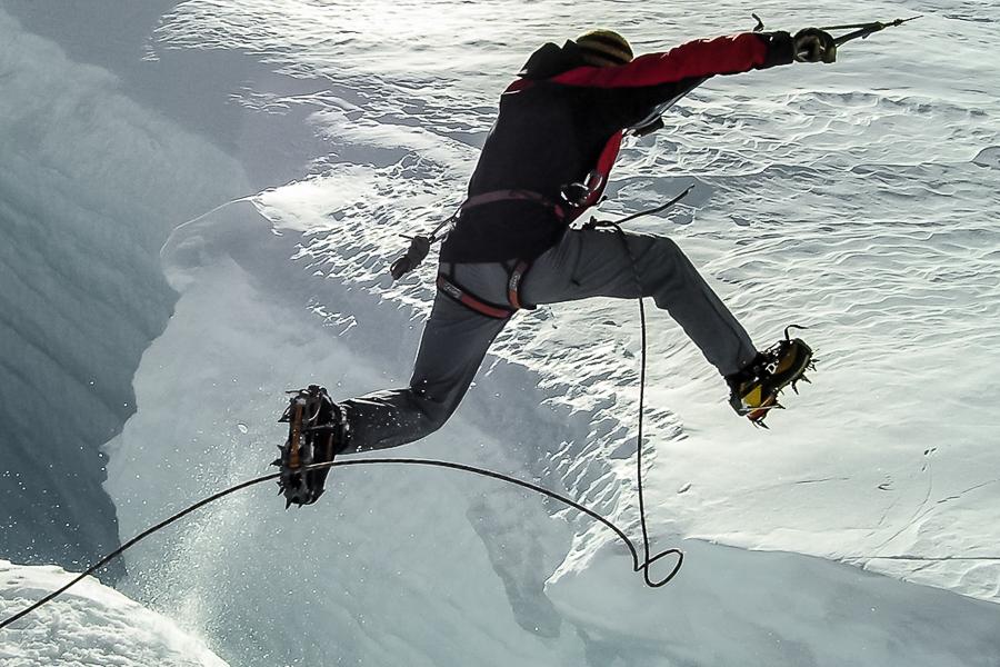 crevasse-jump1